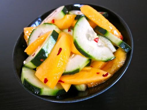mango-cucumbers-alad